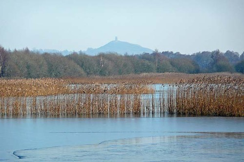 Somerset%20%2806%29%20Glastonbury%20Tor%20%26%20Decoy%20Lake%20%28s%29.JPG